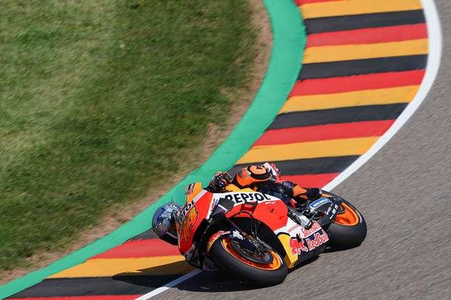 Pol Espargaró caiu duas vezes, mas foi a melhor Honda do dia na Alemanha