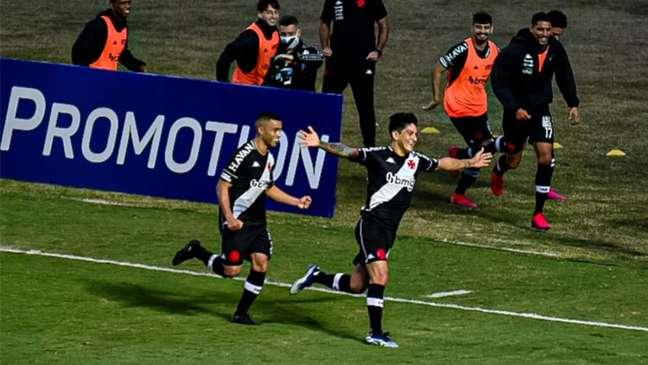 Cano marcou o seu décimo gol na temporada e é o artilheiro do Vasco (Foto: Thiago Mendes/W9 Press/LancePress!)