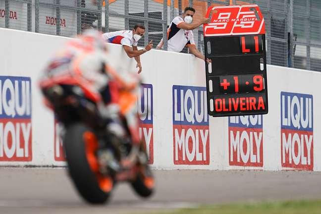 Alberto Puig acompanhou a corrida empolgado