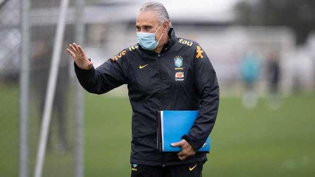 'Agente vai ganhando tempo nessa forma de estarmos mais coesos enquanto grupo e também em termos táticos', afirma treinador (Foto: Lucas Figueiredo/CBF