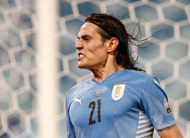 Cavani comemora gol marcado na vitória do Uruguai 24/06/2020 REUTERS/Rodolfo Buhrer