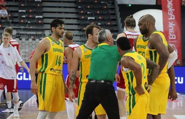Seleção Brasileira vai embarcar nesta sexta-feira para a disputa do Pré-Olímpico na Croácia