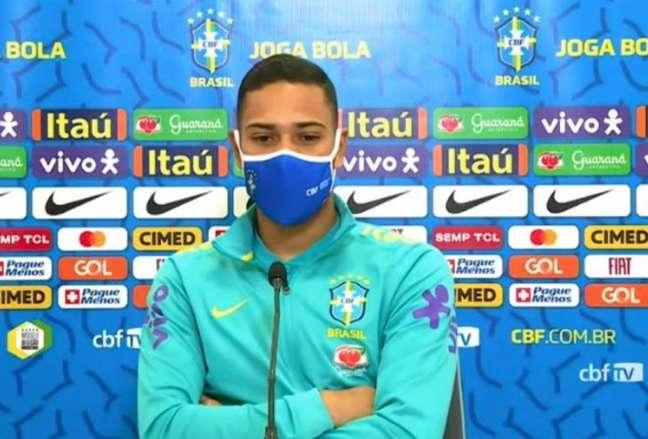 'Fazendo grandes jogos no meu clube, vou ter minha oportunidade também', diz Lodi (Reprodução / CBF TV)
