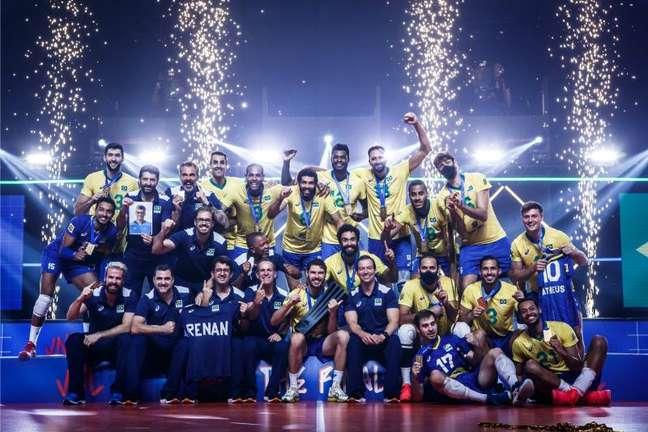 Brasil comemora o título da Liga das Nações, que fez a Seleção despontar como favorita ao ouro olímpico em Tóquio