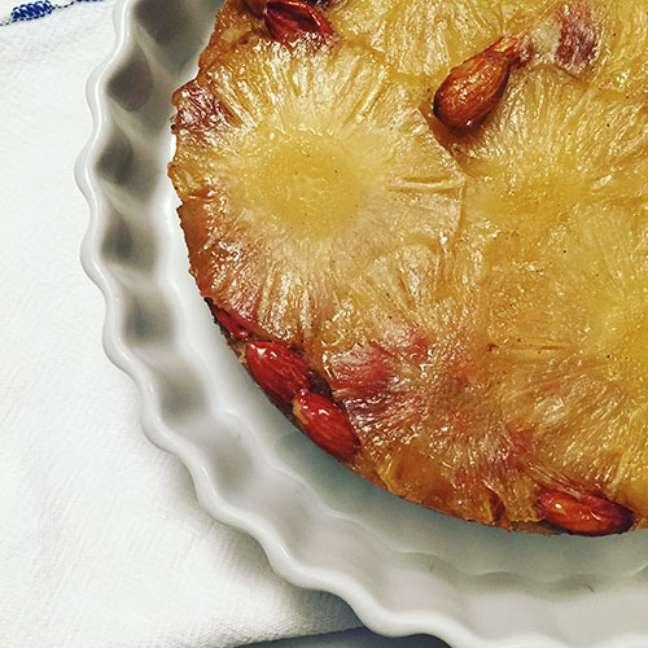 Torta de abacaxi caramelado
