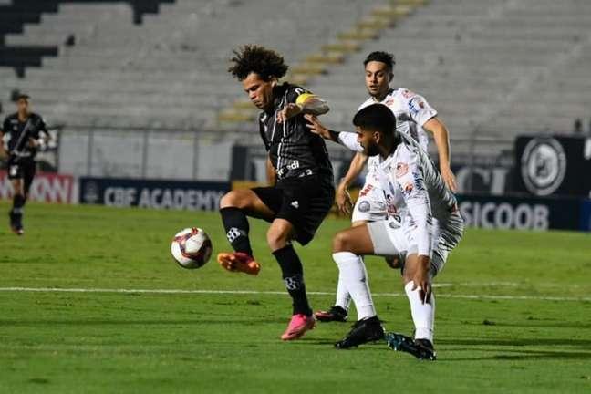 Meia falou sobre o momento negativo da equipe (Alvaro Jr/PontePress)