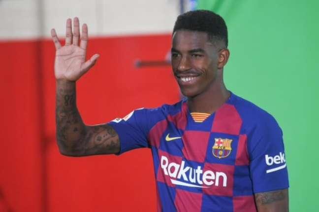 Firpo não conseguiu render desde que chegou ao Barcelona (Foto: Reprodução)