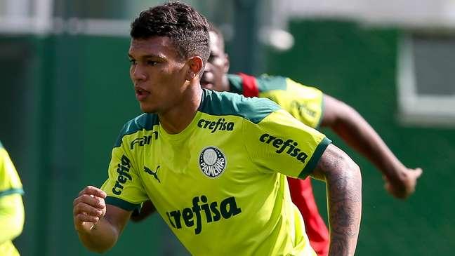 Gabriel Veron treina na Academia de Futebol nesta segunda-feira Fábio Menotti/Palmeiras