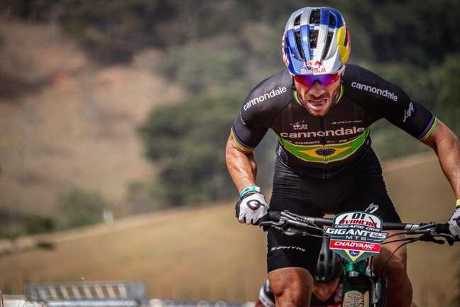 Henrique Avancini em competição Divulgação