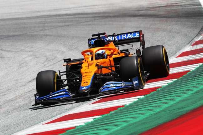 Daniel Ricciardo teve outro fim de semana complicado