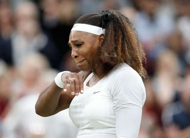 Serena chora ao abandonar torneio de Wimbledon  29/6/2021   REUTERS/Peter Nicholls