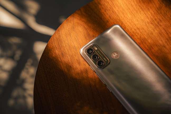 Bateria, câmera e mais: testamos o Moto g60, o novo intermediário da Motorola