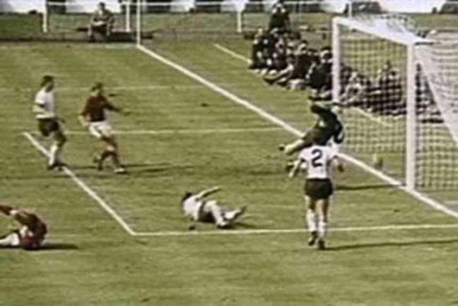 Inglaterra foi campeã em 1966 com gol mal marcado (Foto: Divulgação)