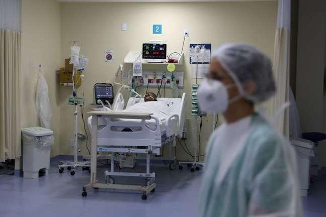 Paciente com Covid-19 na UTI do hospital Ronaldo Gazolla, no Rio de Janeiro (RJ)  18/06/2021 REUTERS/Pilar Olivares