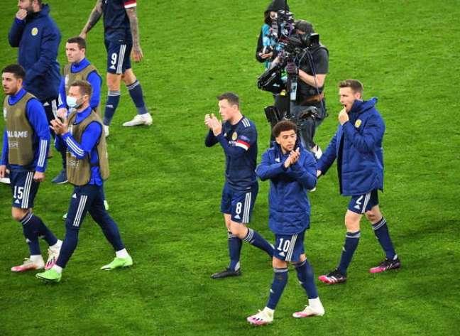 Jogadores da Escócia durante a partida contra a Croácia