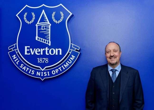 Rafa Benítez assinou contrato para comandar o Everton até junho de 2024