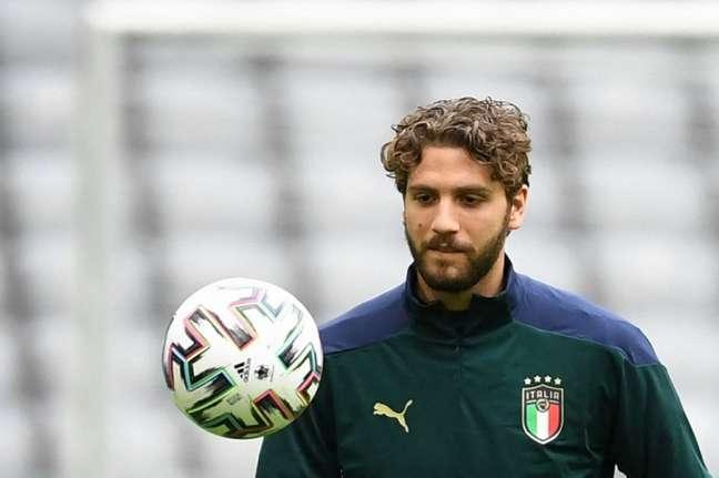 Locatelli marcou dois gols pela Itália neste Eurocopa (Foto: CHRISTOF STACHE / AFP)