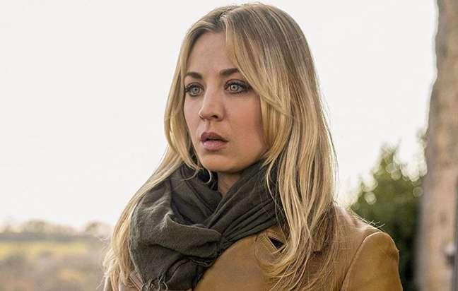 Kaley Cuoco estrela 'Flight Attendant', uma das séries que vale a pena conferir na HBO Max