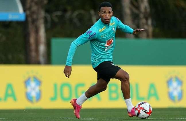 Wallace, durante treinamento da Seleção Olímpica no CT do Palmeiras (Foto: Marco Galvão/CBF)