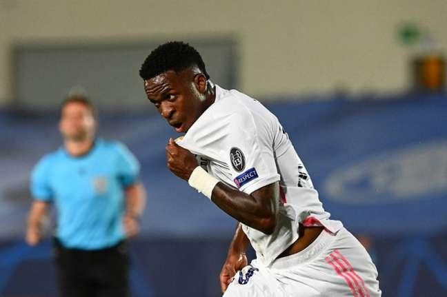 Agora, Vinícius Júnior é destaque no Real Madrid (GABRIEL BOUYS / AFP)