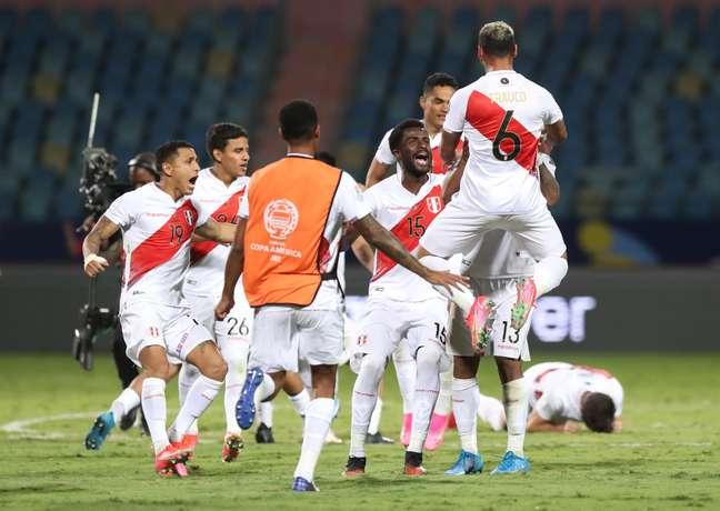 Em jogo de seis gols, Peru elimina o Paraguai nos pênaltis e avança à semifinal da Copa América