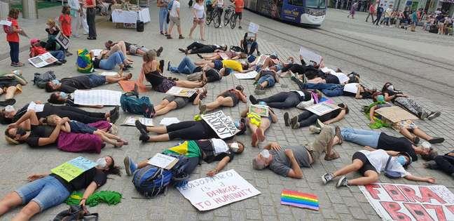 Mobilização nas ruas de Freiburg, na Alemanha, contra Bolsonaro