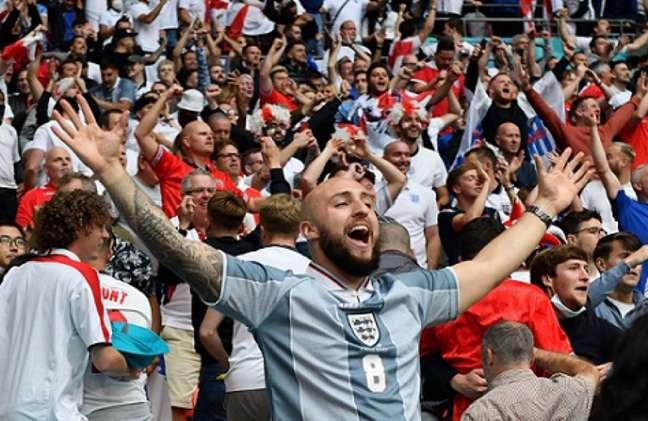 Torcedores da Inglaterra na Eurocopa (JUSTIN TALLIS / POOL / AFP)