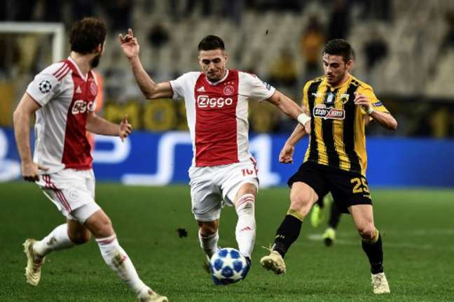 Tadic está na mira do Milan para a próxima temporada (Foto: Aris Messinis / AFP)