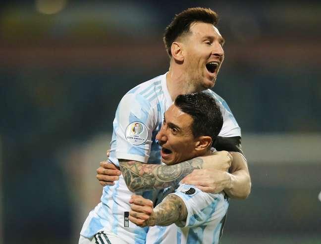 Lionel Messi e Di Maria comemoram vitória da Argentina
