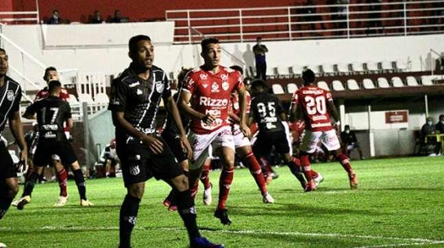 Em jogo morno, duelo na capital goiana acabou terminando sem gols (Foto: Douglas Monteiro/Vila Nova)
