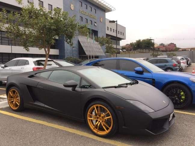 Lamborghini e outros carros de luxo foram apreendidos durante a operação Daemon