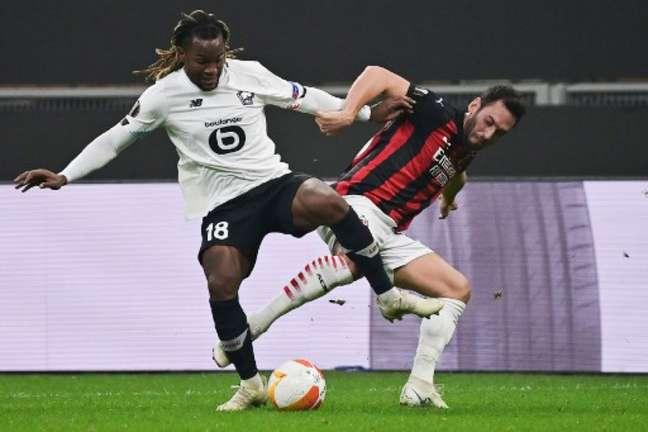 Renato Sanches é alvo de interesse de clubes da Premier League (MIGUEL MEDINA / AFP)