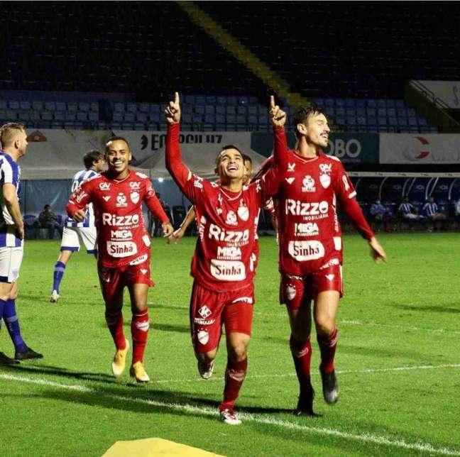 Tigre ocupa o 12º lugar na Série B (Foto: Divulgação / Vila Nova)