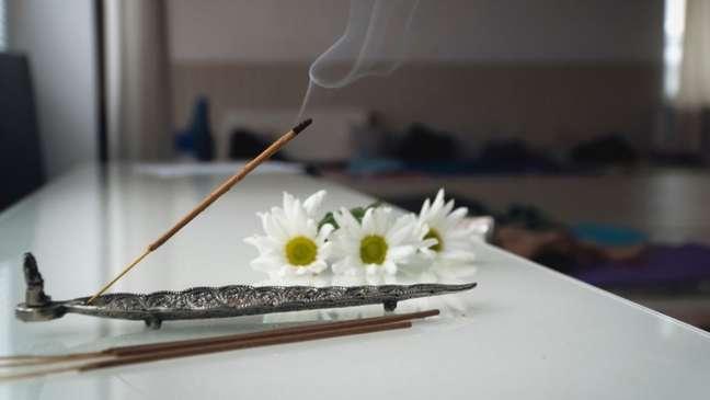 6 incensos para revigorar o seu ambiente de trabalho
