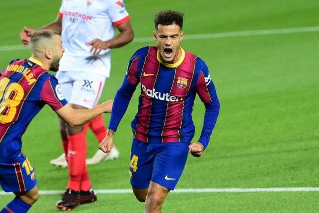 Coutinho não fez nenhuma partida em 2021 (Foto: LLUIS GENE / AFP)