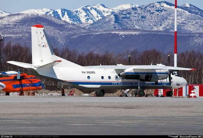 Avião russo An-26 em Petropavlovsk-Kamchatsky, na Rússia 06/07/2021 Ministério de Emergência da Rússia/Divulgação via REUTERS