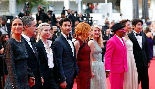 Membros do júri do Festival de Cannes no tapete vermelho 06/07/2021 REUTERS/Johanna Geron