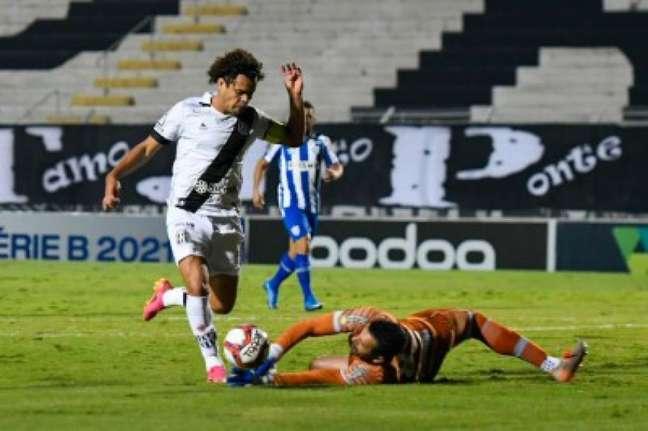 Ponte Preta ficou no empate sem gol com o Avaí em casa (Foto: Álvaro Jr/ PontePress)