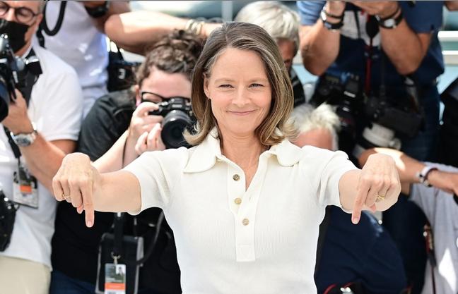 Jodie Foster, homenageada desta edição, chega para sessão de fotos