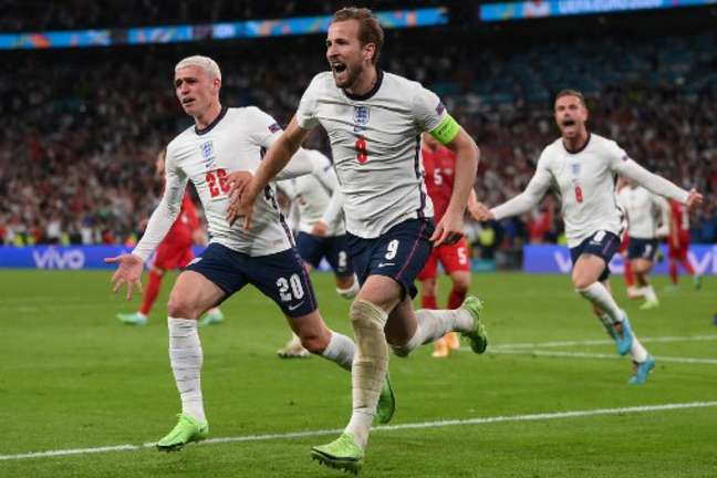 Kane marcou o gol da vitória inglesa (Foto: LAURENCE GRIFFITHS / POOL / AFP)