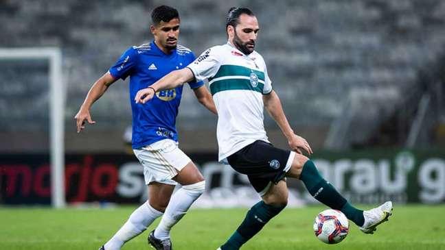 Raposa e Coxa não estavam inspirados no ataque, com as defesas se sobressaindo-(Bruno Haddad/Cruzeiro)