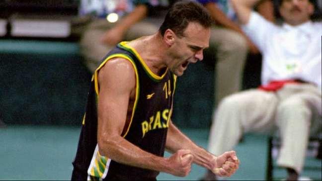 Oscar em jogo com a camisa 14 pela Seleção Brasileira Arquivo/CBB