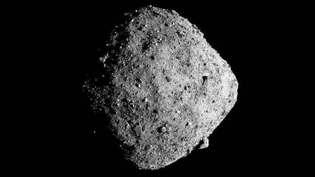 Cálculos sobre plano de usar foguetes para desviar asteroide se basearam no corpo celeste Bennu
