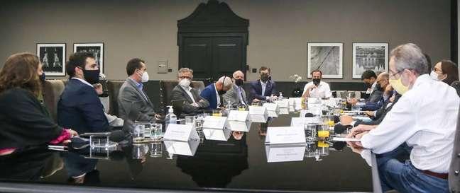 Reunião dos membros do Centro de Contingênciado Coronavírus do Estado de São Paulocom o governador João Doria