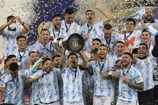 Argentina celebrou a conquista da Copa América (FOTO: CARL DE SOUZA / AFP)