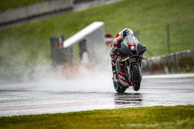 Andrea Dovizioso testou com pista molhada em Mugello