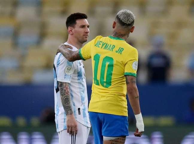 Neymar e Lionel Messi deram demonstração de respeito na recente final da Copa América 10/07/2021 REUTERS/Ricardo Moraes