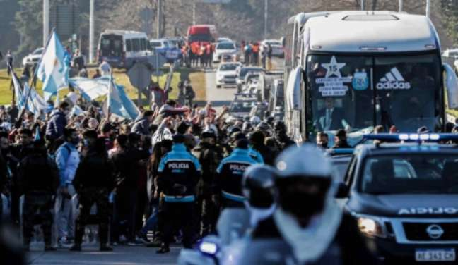Festa dos torcedores argentinos em Buenos Aires (Foto: ALEJANDRO PAGNI / AFP)