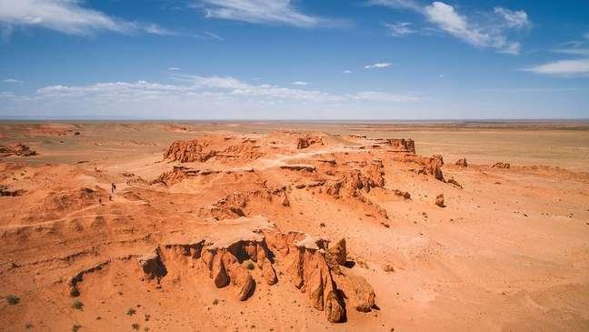 As rotas comerciais pelo deserto de Gobi podem ter espalhado o mito de criaturas fantásticas, alimentado pela descoberta de fósseis de dinossauros