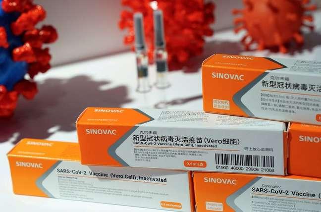 Caixas da vacina contra Covid-19 CoronaVac na sede do laboratório Sinovac em Pequim REUTERS/Tingshu Wang